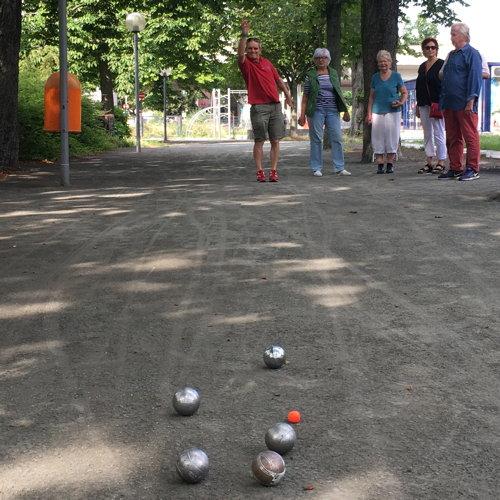 Boulespiel auf dem Breitenbachplatz